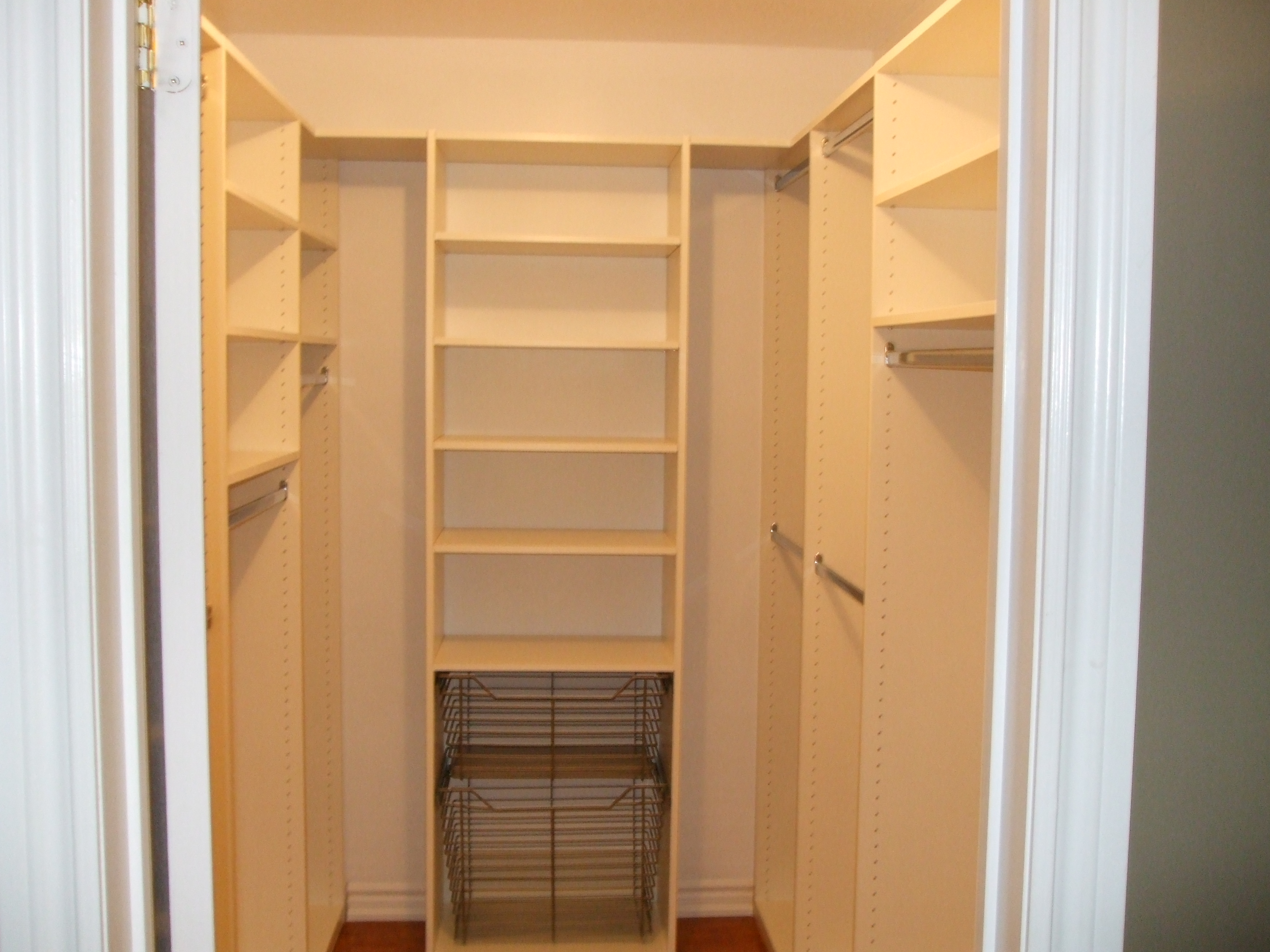 Superieur Small Walk In Closet Design Layout