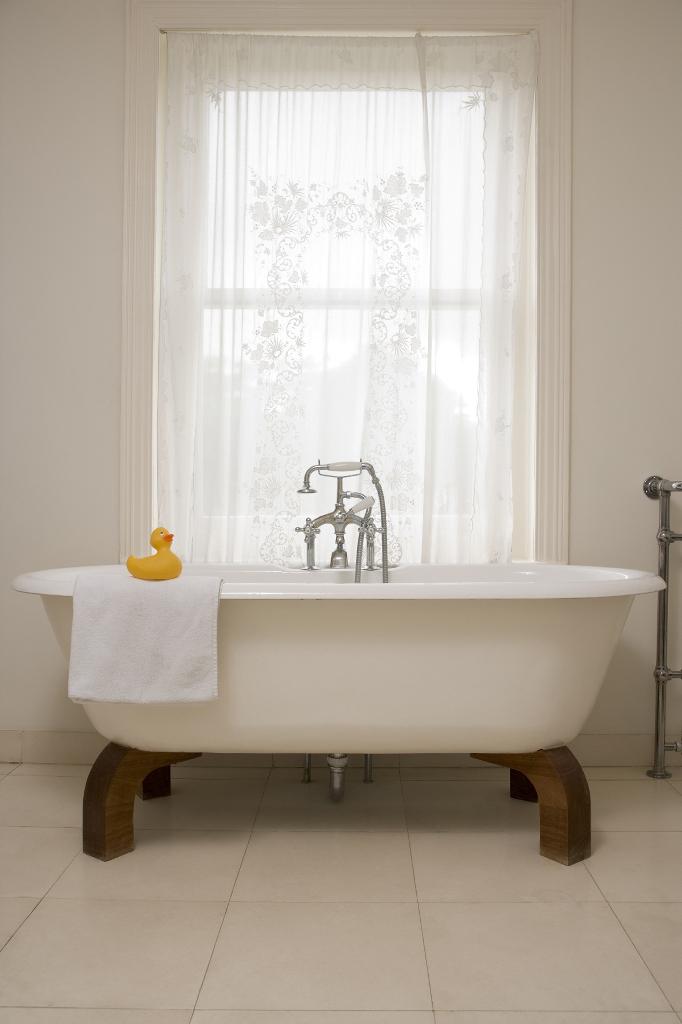 spa bathroom window treatments photo - 3