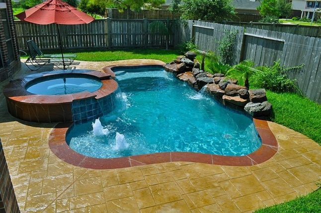 swimming pool designs small yards photo - 10
