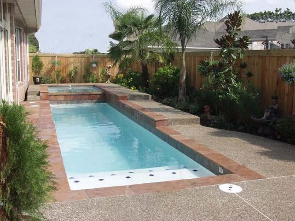 swimming pool designs small yards photo - 7