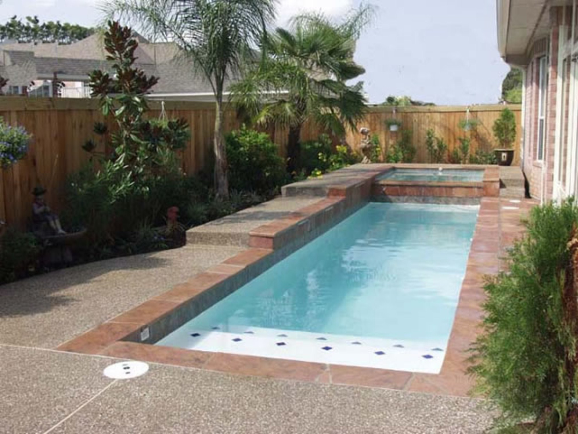 swimming pool designs small yards photo - 8