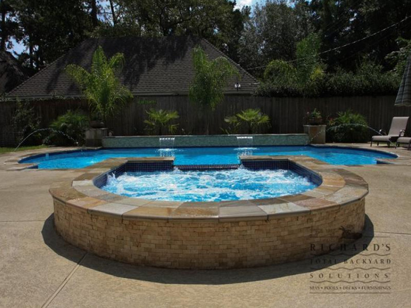 swimming pool designs with hot tub photo - 1