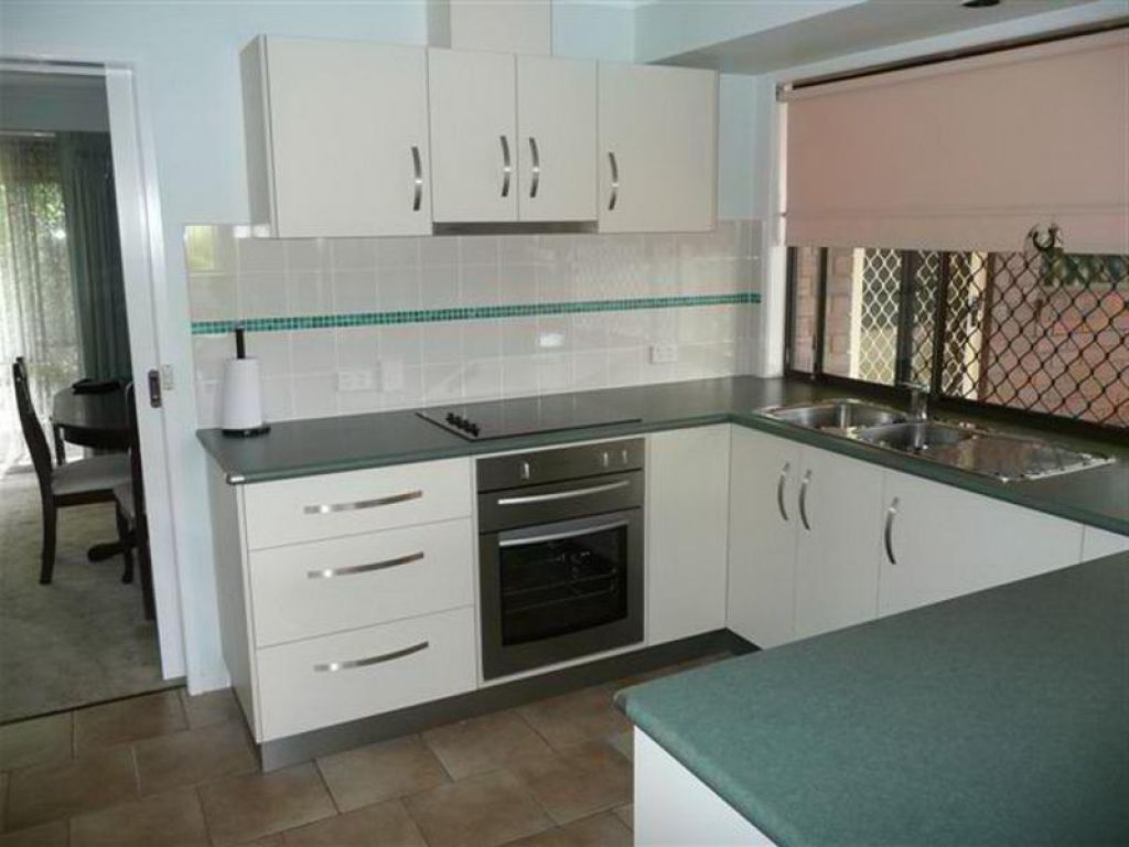 this old house u shaped kitchen photo - 4