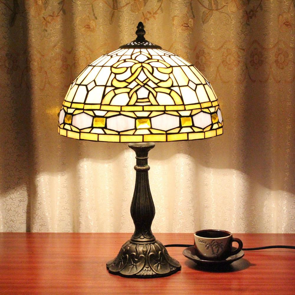 tiffany bedroom lamp photo - 3