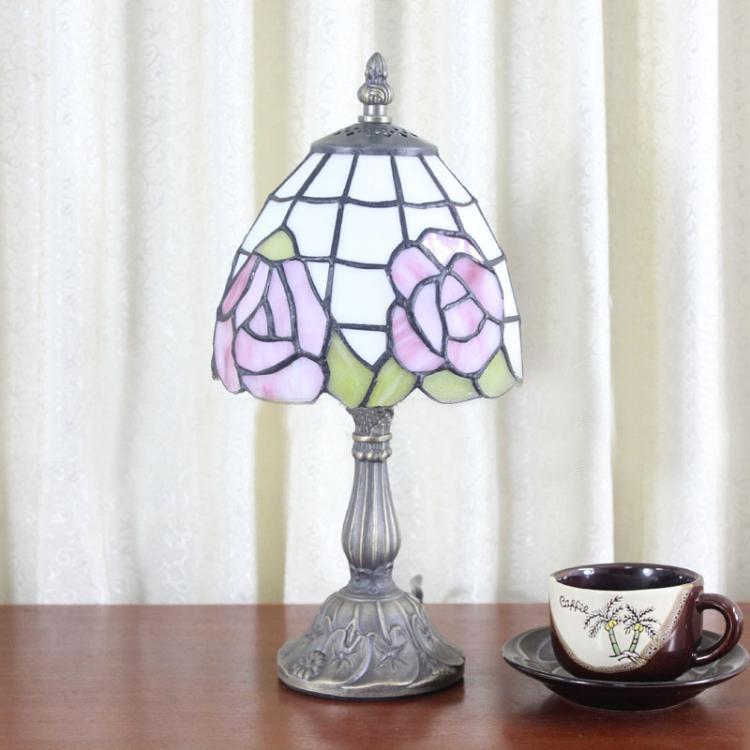 tiffany bedroom lamp photo - 5