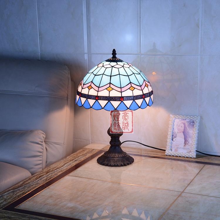 tiffany bedroom lamp photo - 9