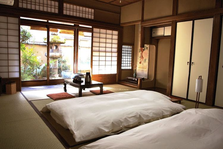 traditional asian bedroom photo - 1