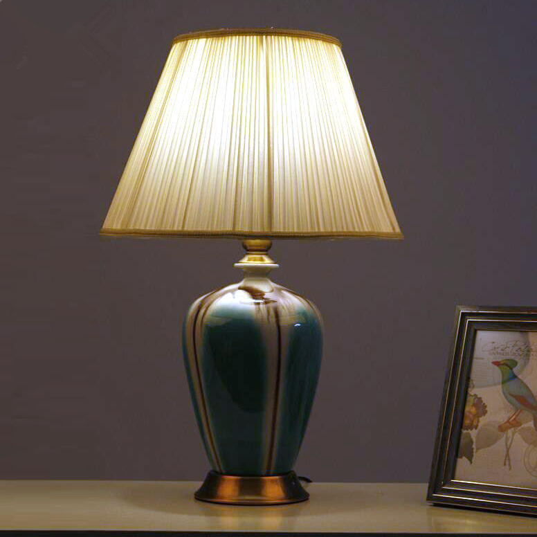 traditional bedroom lamps photo - 4