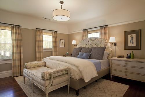 traditional bedroom lighting photo - 2