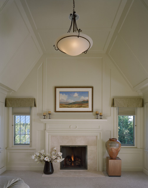 traditional bedroom lighting photo - 5