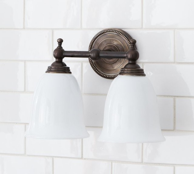 traditional bedroom lighting photo - 6