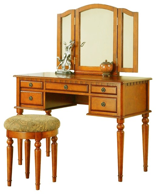 traditional bedroom vanity photo - 10
