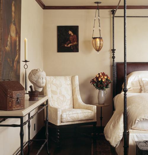 traditional english bedroom design photo - 3