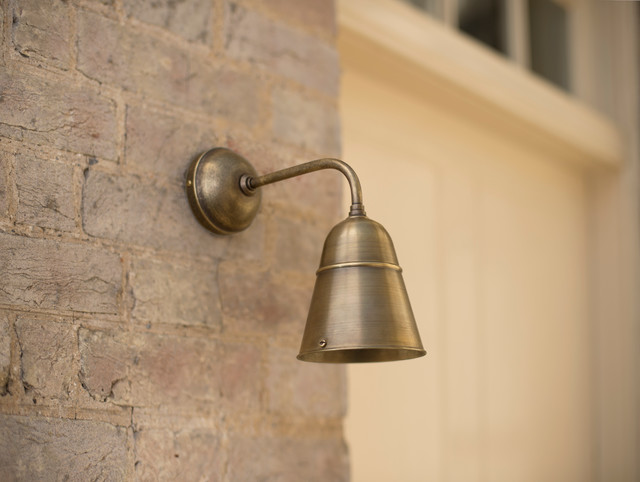 traditional outdoor wall lighting photo - 3