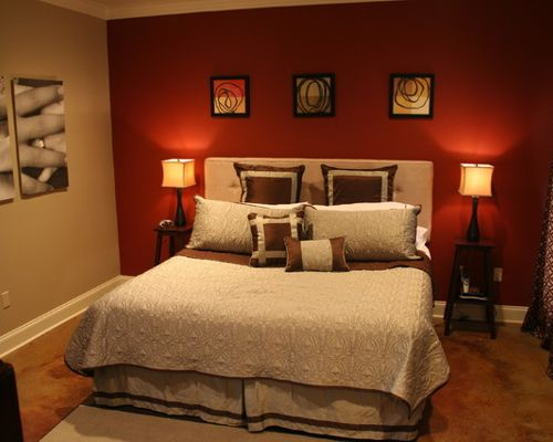 traditional red bedroom photo - 10