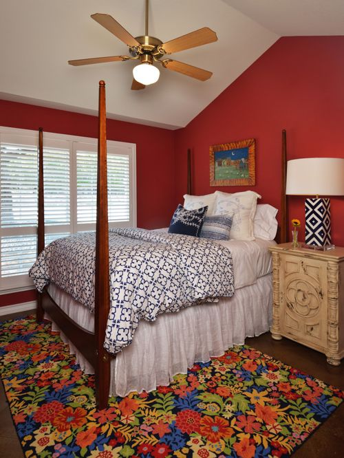 traditional red bedroom photo - 3