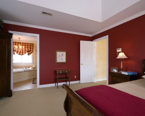 traditional red bedroom photo - 6