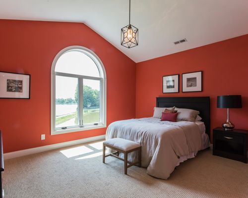 traditional red bedroom photo - 8