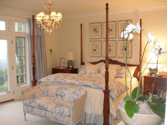 traditional romantic bedroom photo - 2