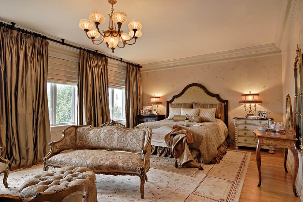 traditional romantic bedroom photo - 4