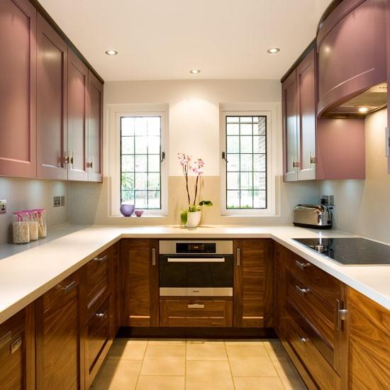 traditional u shaped kitchen photo - 3