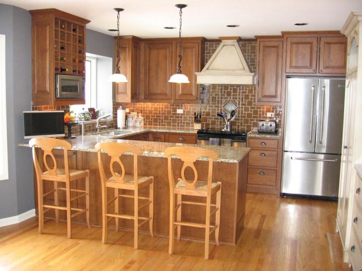 traditional u shaped kitchen photo - 5
