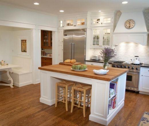 traditional u shaped kitchen photo - 9