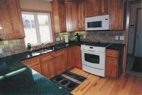 typical u shaped kitchen photo - 2