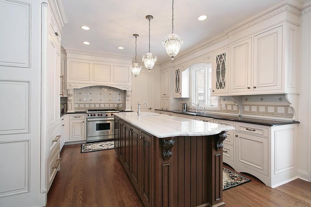 typical u shaped kitchen photo - 3