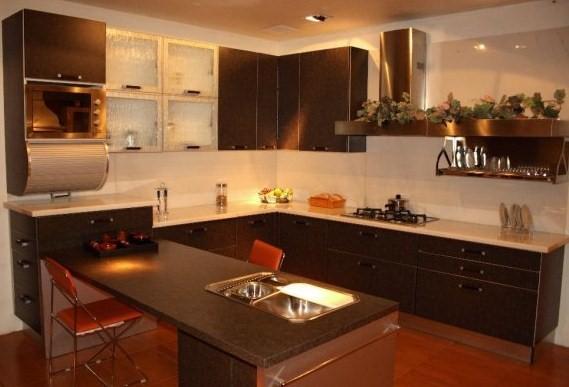 typical u shaped kitchen photo - 4