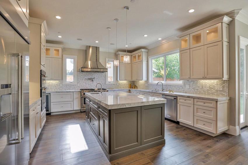 typical u shaped kitchen photo - 9