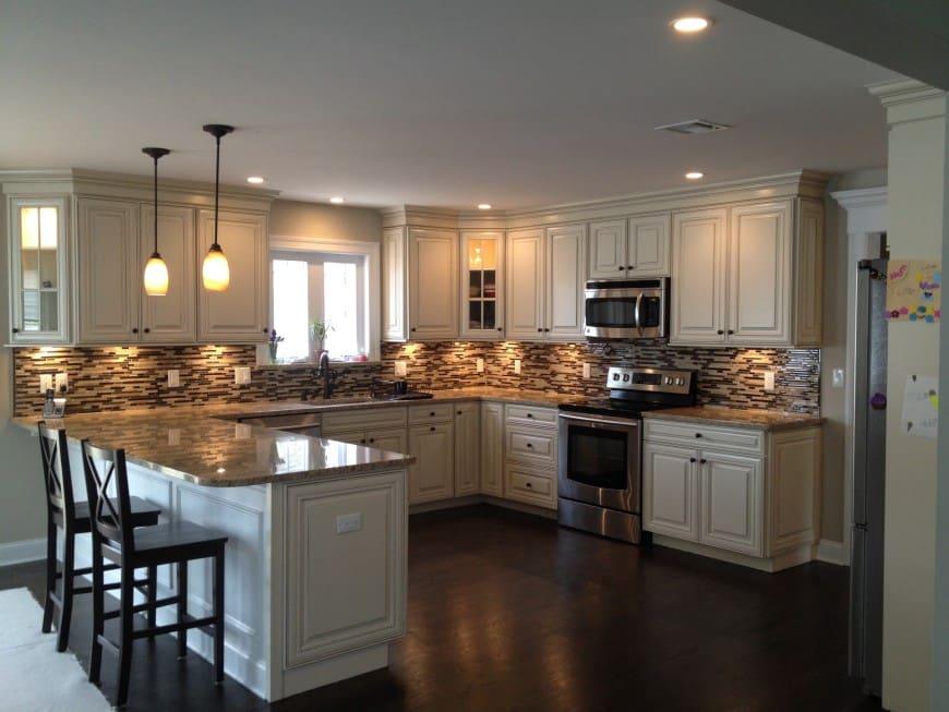 u shaped kitchen photo - 2