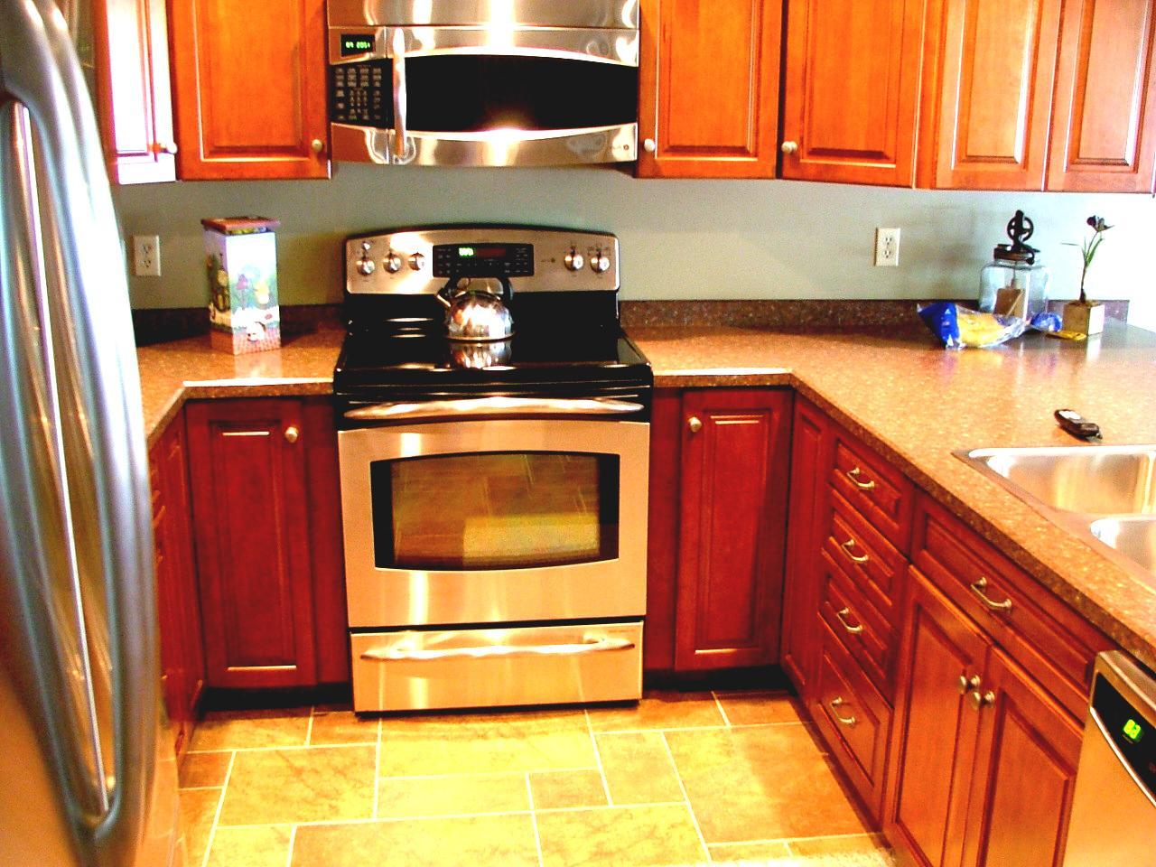 u shaped kitchen appliance layout photo - 5
