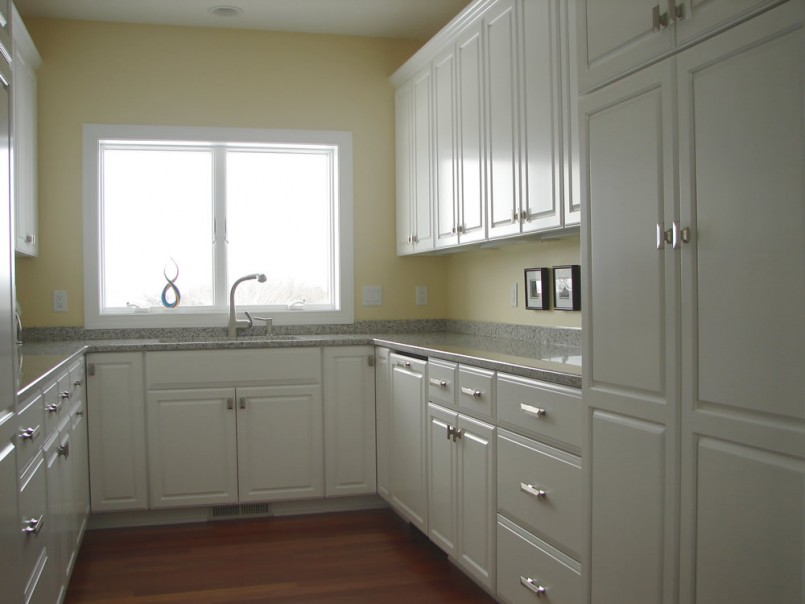 u shaped kitchen cabinet design photo - 1
