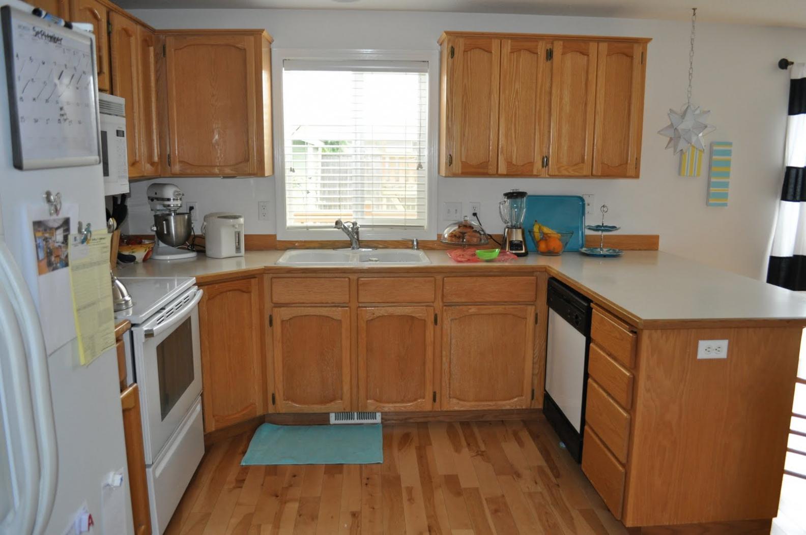 u shaped kitchen cabinet design photo - 5