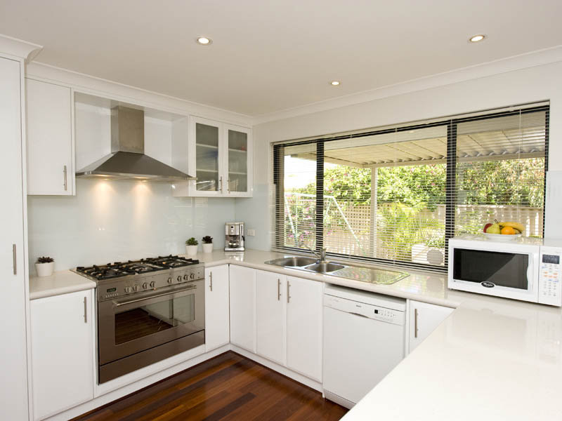u shaped kitchen cabinets photo - 9