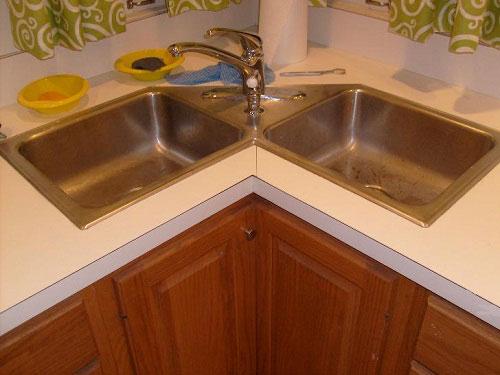 u shaped kitchen corner sink photo - 9