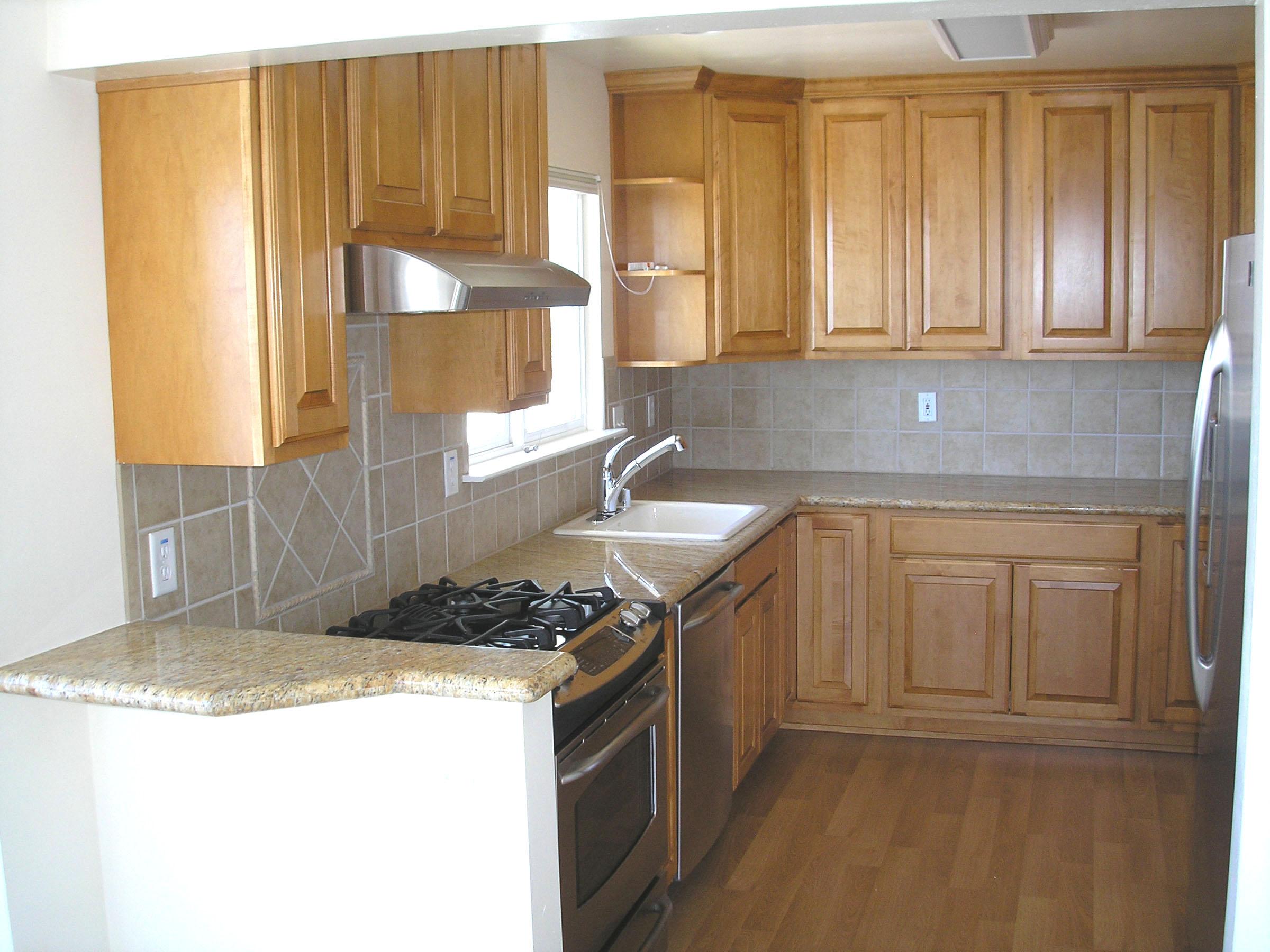 u shaped kitchen counter photo - 2