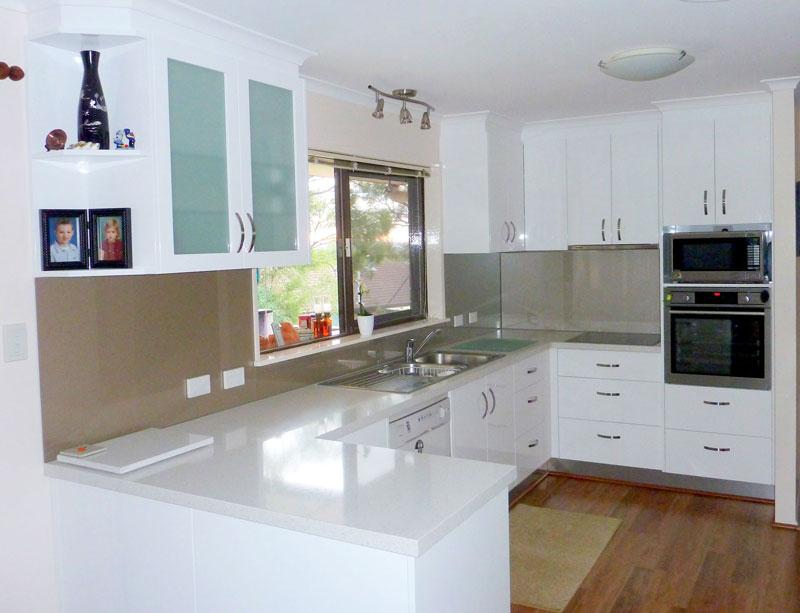 u shaped kitchen cupboards photo - 9
