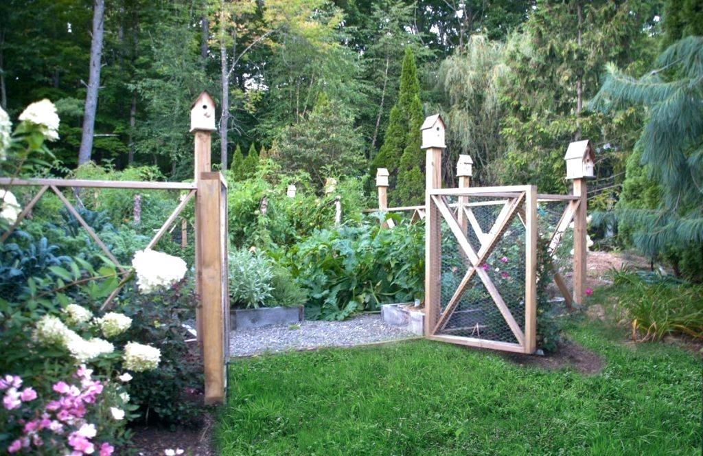 vegetable garden fence posts photo - 9