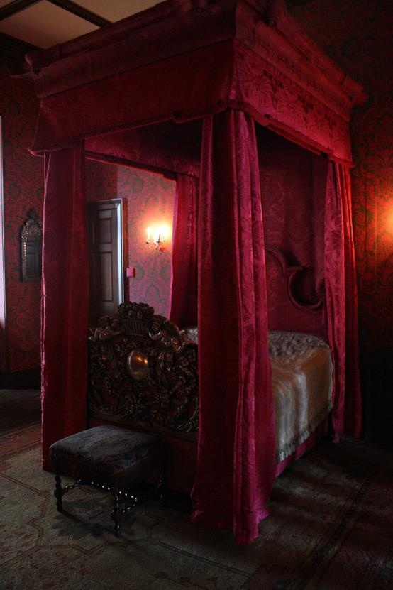 victorian gothic bedroom ideas photo - 10
