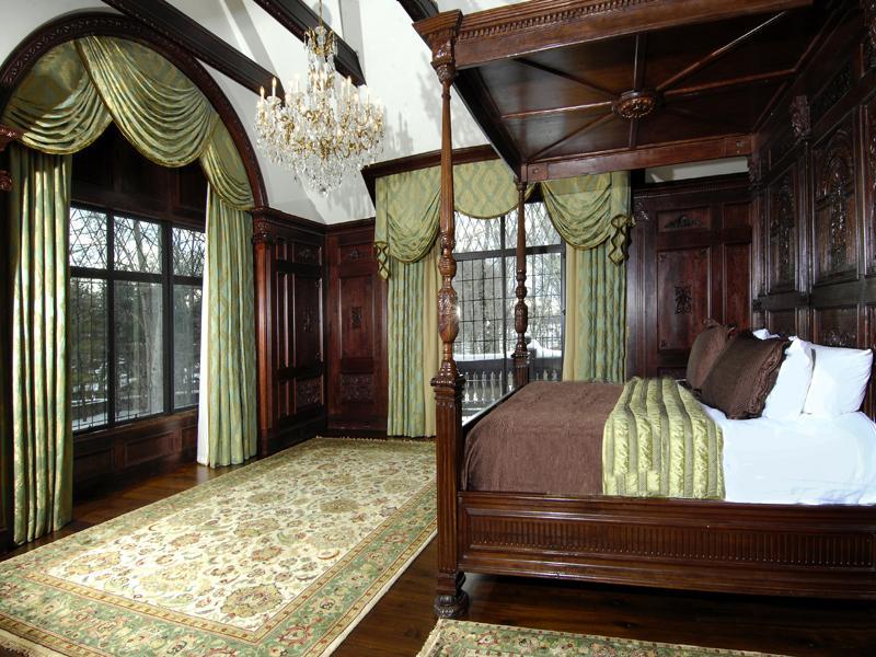 victorian gothic style bedroom photo - 3
