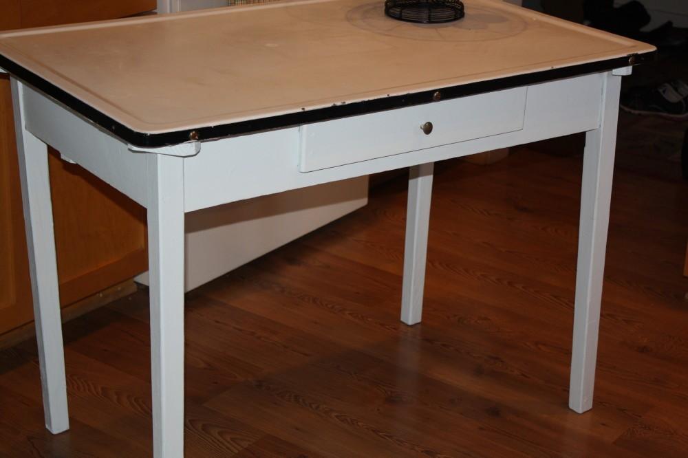 Vintage kitchen table with enamel top | Hawk Haven
