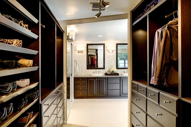 walk in closet design and bathroom photo - 5