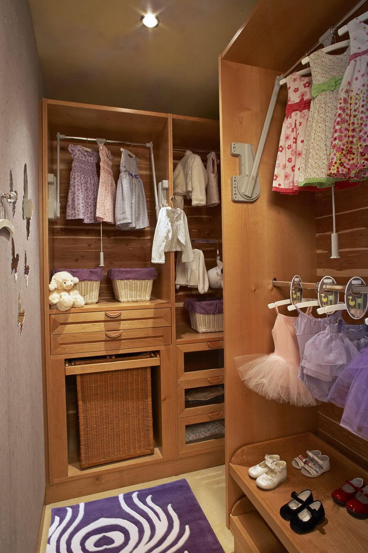 walk in closet design for girls photo - 10