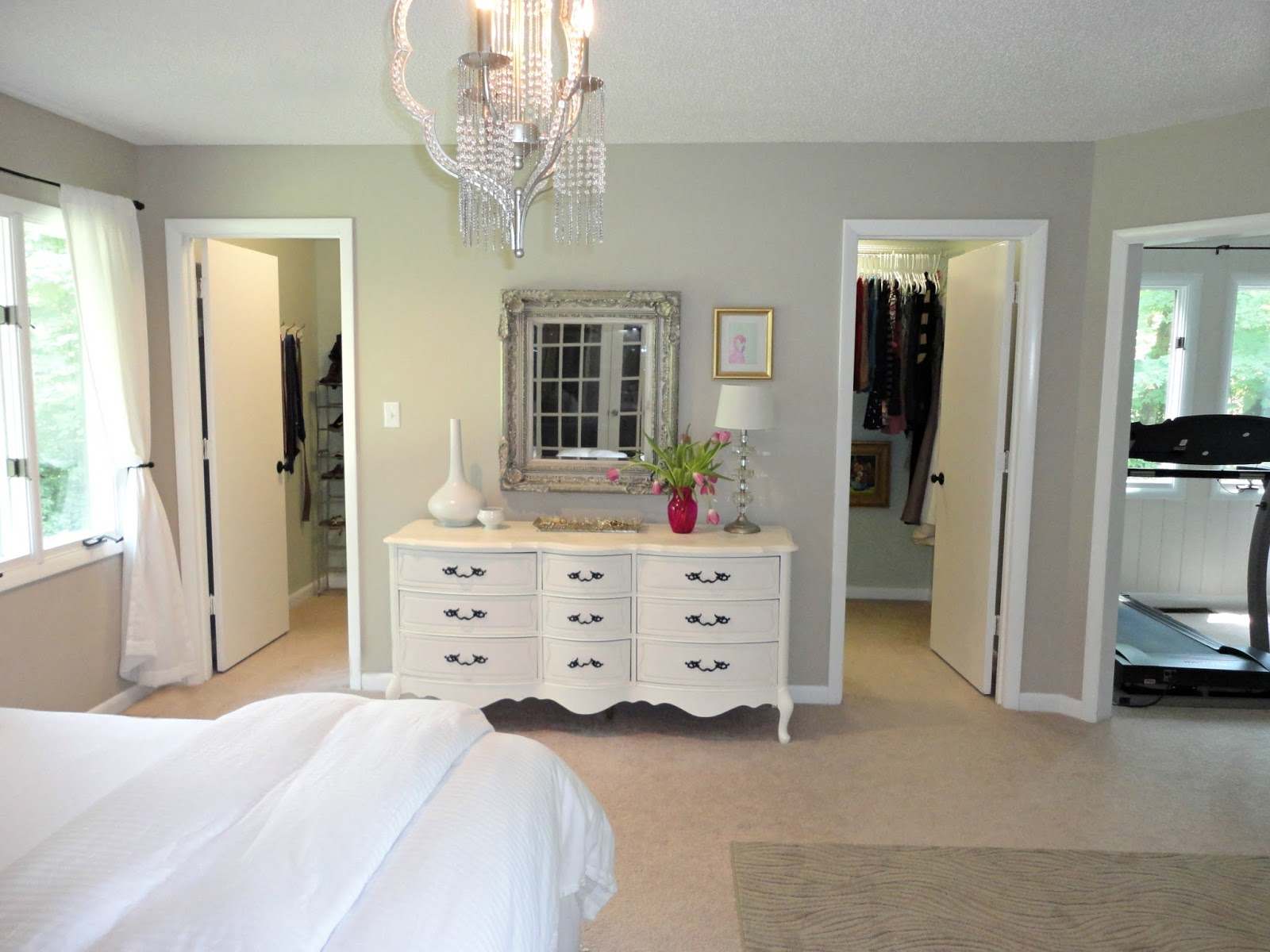 Walk In Closet Designs For A Master Bedroom Photo 2