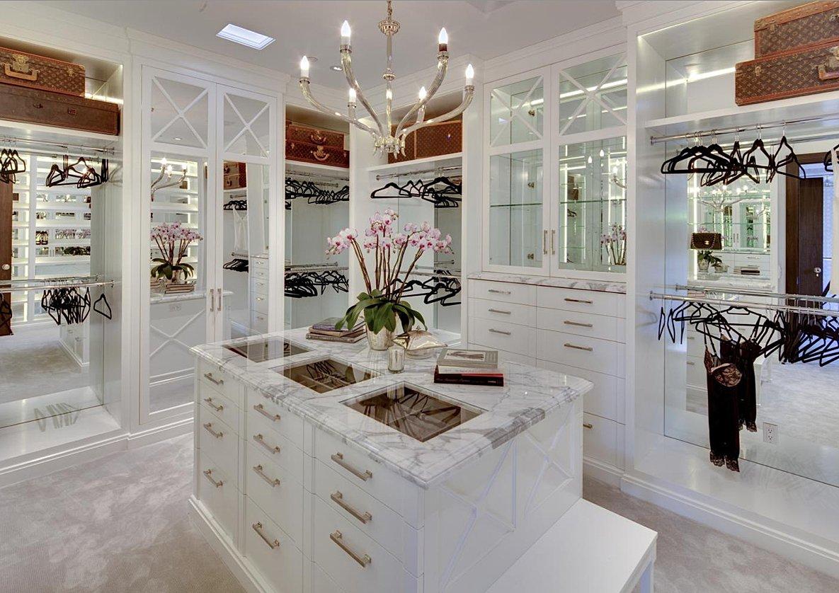 walk in closet luxury design photo - 10