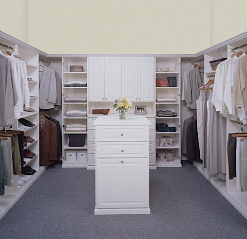 walk in closets by design photo - 2