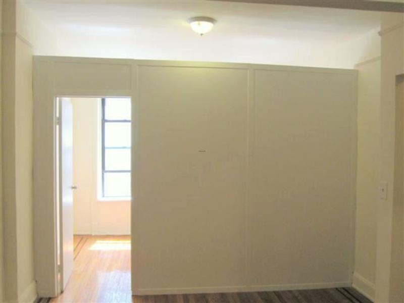 wall dividers apartment photo - 1