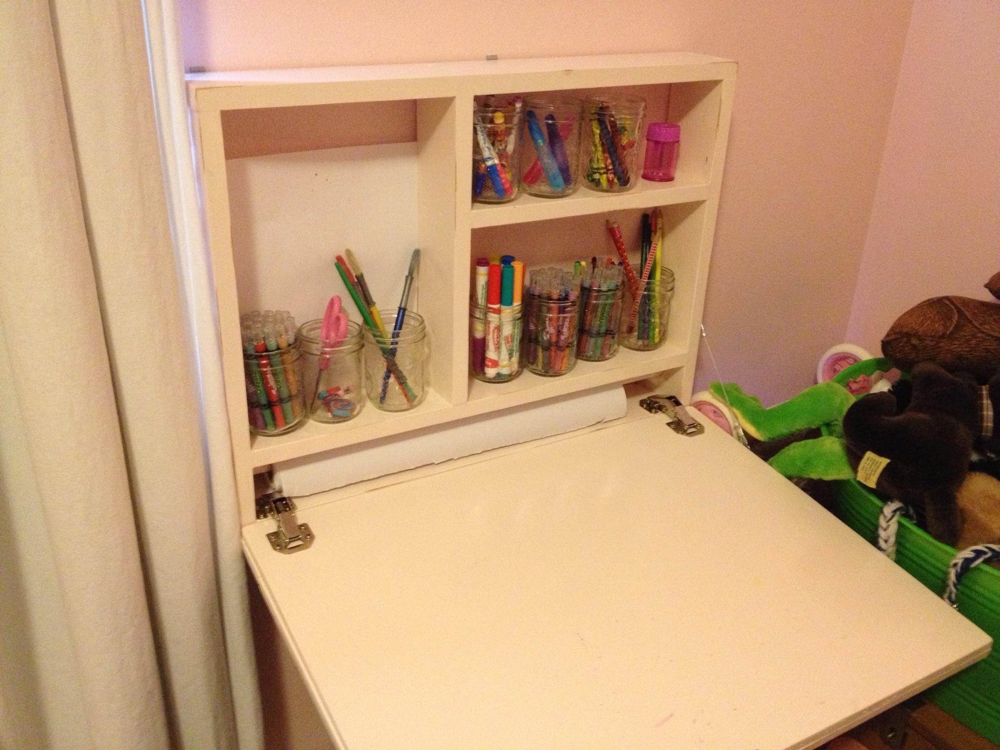 wall mounted art desk photo - 5